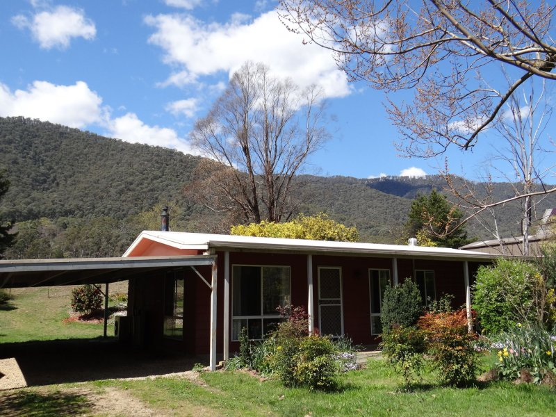 125 Great Alpine Road, Harrietville, Vic 3741