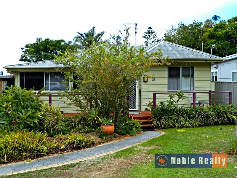 33 Tuncurry Street, Tuncurry, NSW 2428