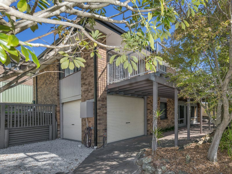 8 Kenley Crescent, Macquarie Hills, NSW 2285