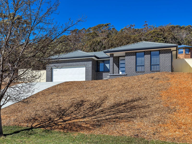 12 Claret Ash Avenue, Lithgow, NSW 2790