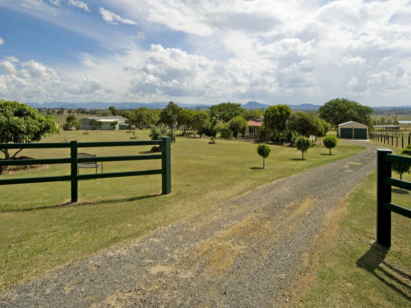 Address available on request, Peak Crossing, Qld 4306