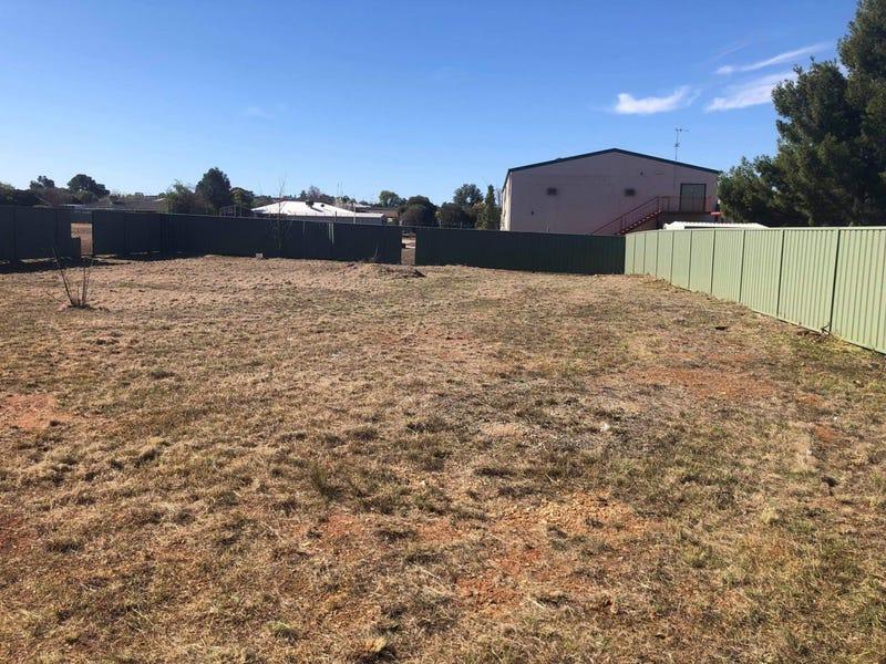 6 Rex Aubrey Place, Parkes, NSW 2870