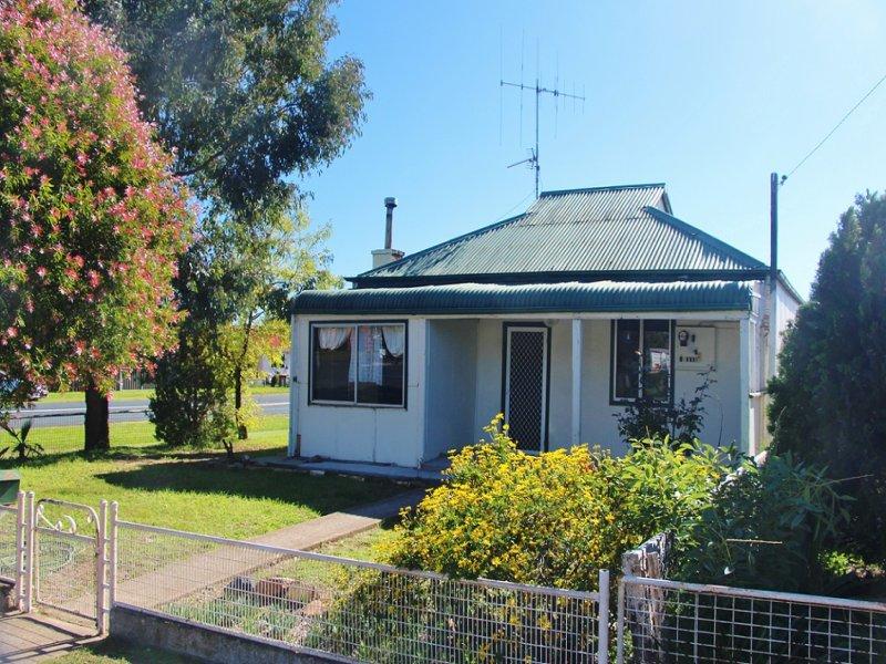 68 Camp Street, Grenfell, NSW 2810