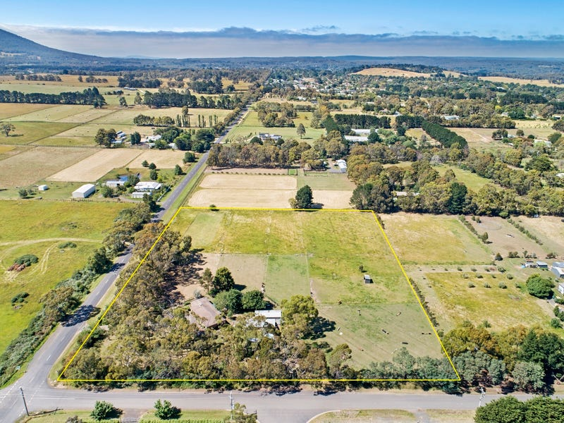 77 Old Lancefield Road, Woodend, Vic 3442
