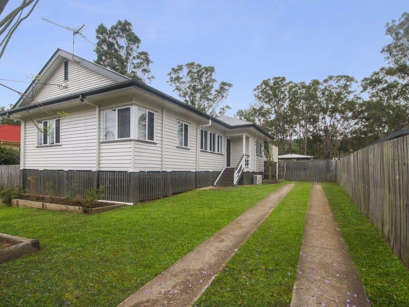 7 Down Street, Esk, Qld 4312