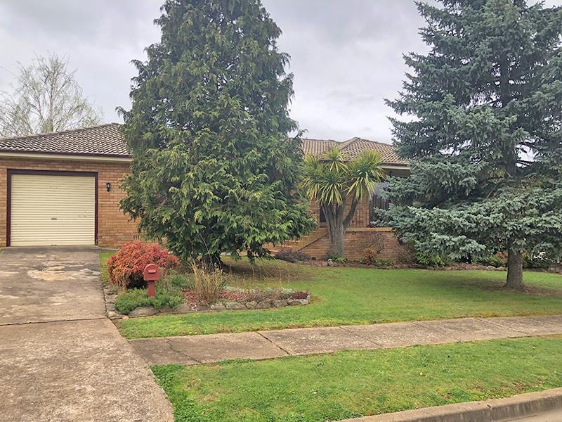 8 Somers Place, Blayney, NSW 2799