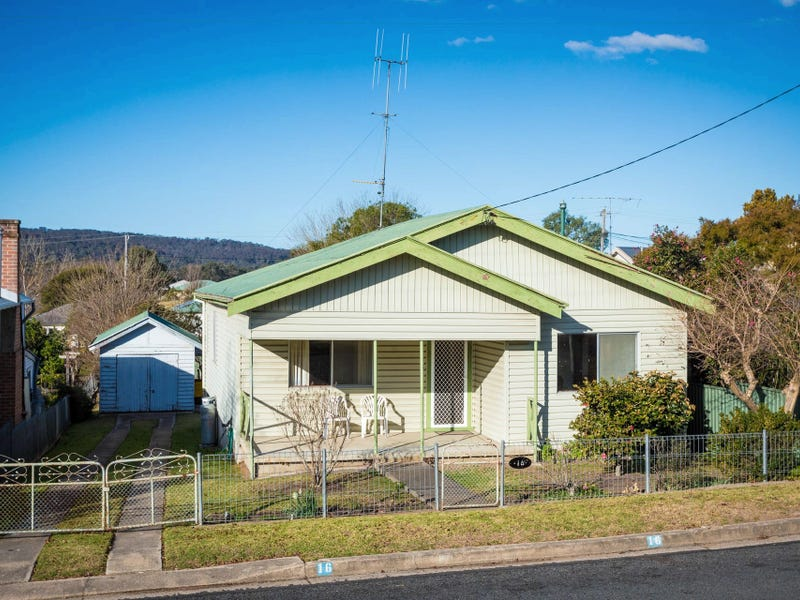16 Gordon Street, Bega, NSW 2550
