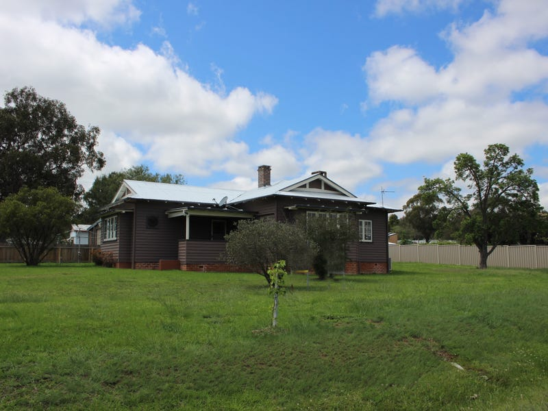 61-63 Clive Street, Tenterfield, NSW 2372