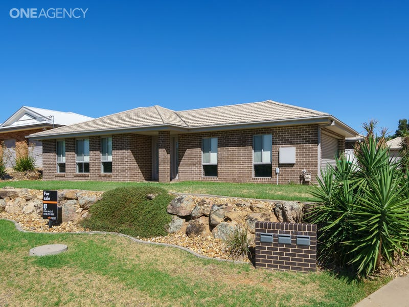 1/33 Gunn Drive, Estella, NSW 2650