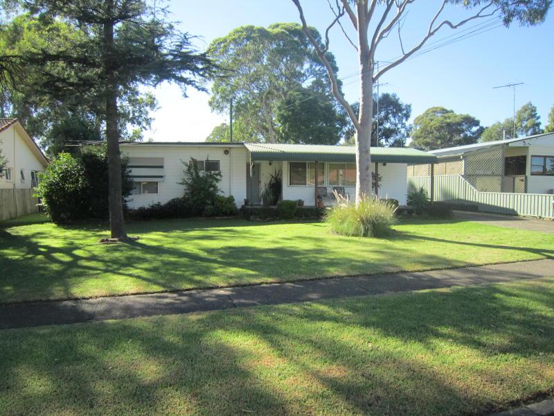 57 wyena rd pendle hill nsw 2145 property details. Black Bedroom Furniture Sets. Home Design Ideas