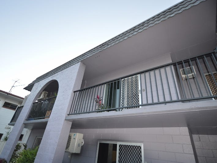 8/120 GREENSLOPES STREET, Edge Hill, Qld 4870