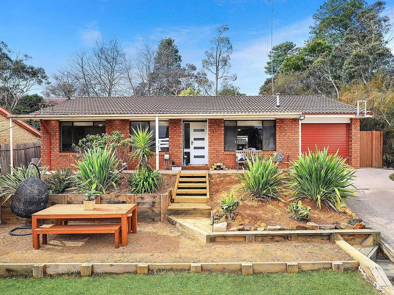 44 Shortland Street, Wentworth Falls, NSW 2782