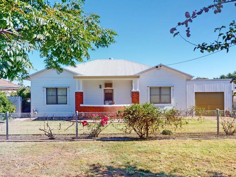 27 Bolton Street, Junee, NSW 2663