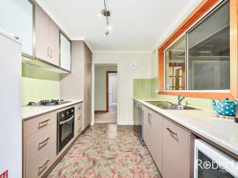 14 Chestnut Road, Youngtown, Tas 7249