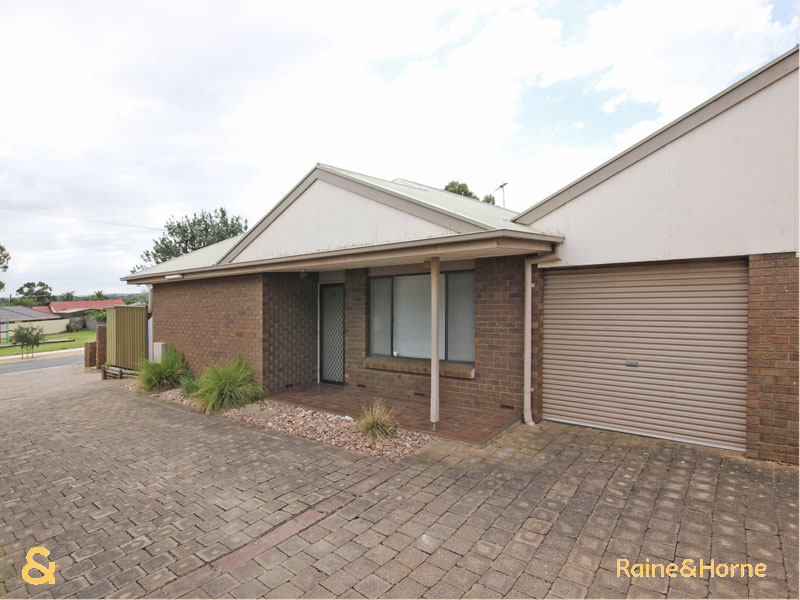 2/10 Ellis Avenue, Morphett Vale, SA 5162