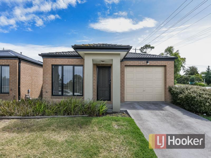 24/103 Army Road, Pakenham, Vic 3810