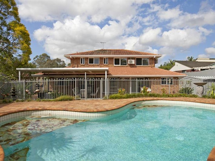 3 Waverney Ct, Carindale, Qld 4152