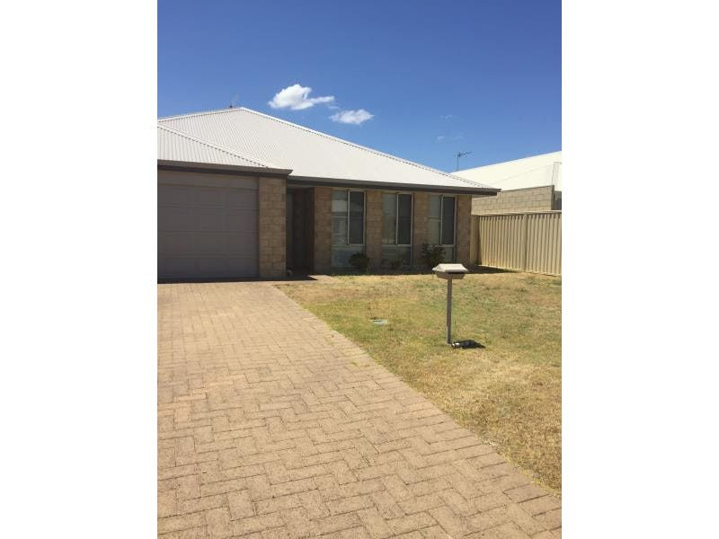 11 Tomba Way, Harvey, WA 6220