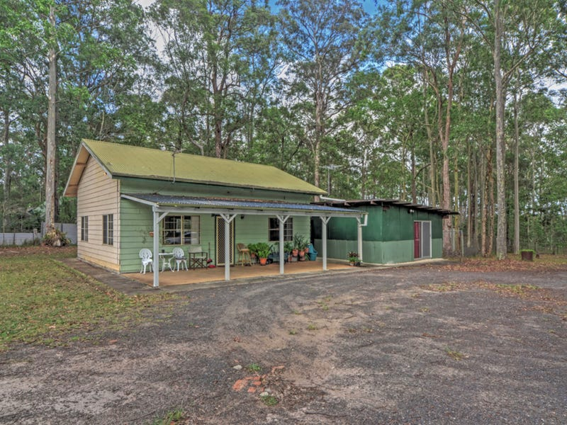 61 Watt Road, Falls Creek, NSW 2540