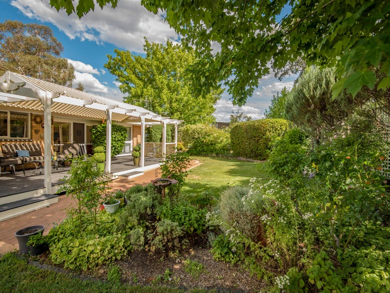 4 Mulley Street, Holder, ACT 2611