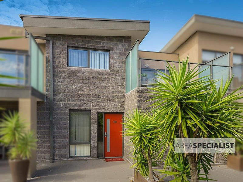 18/39-41 Nepean Highway, Seaford, Vic 3198