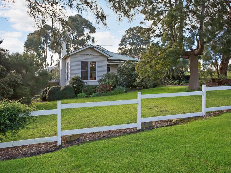122-124 Mill Street, Mortlake, Vic 3272