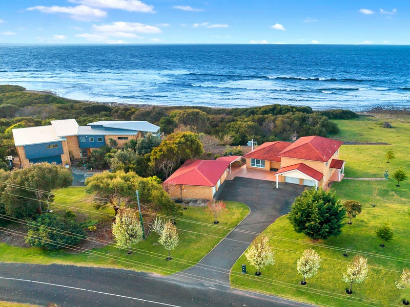 99 Beach Road, Leith, Tas 7315