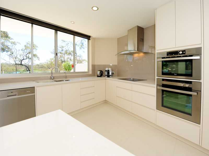 13/2 The Promenade, Boyne Island, Qld 4680