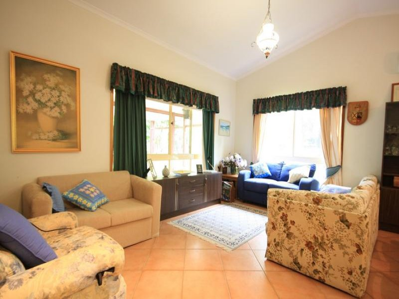 1923 Old Gympie Road, Glass House Mountains, Qld 4518
