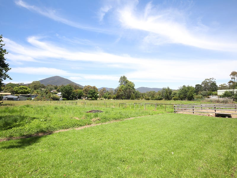 12 Thomas Road, Healesville, Vic 3777