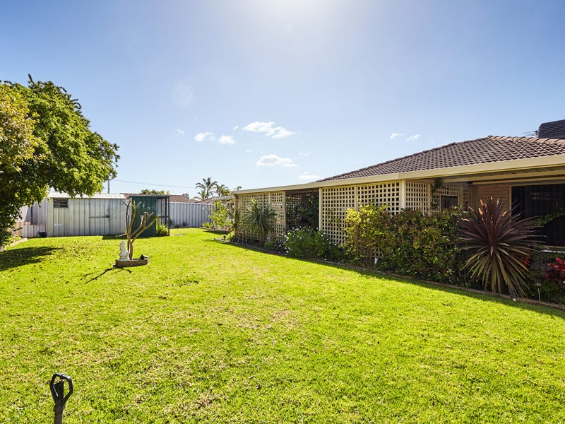 4 Moore Court, Cooloongup, WA 6168