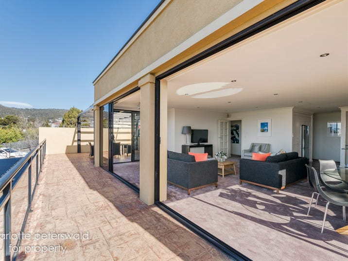 1a Russell Crescent, Sandy Bay, Tas 7005