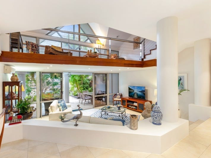 Villa 5 Cranston/125 Santa Cruz Boulevard, Clear Island Waters, Qld 4226