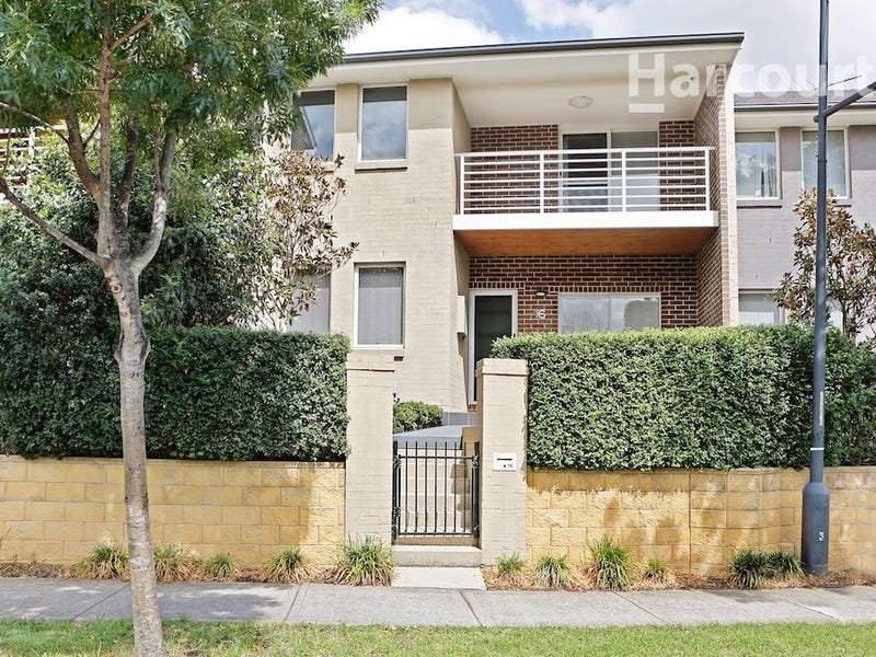 16 Parkside Crescent, Campbelltown, NSW 2560