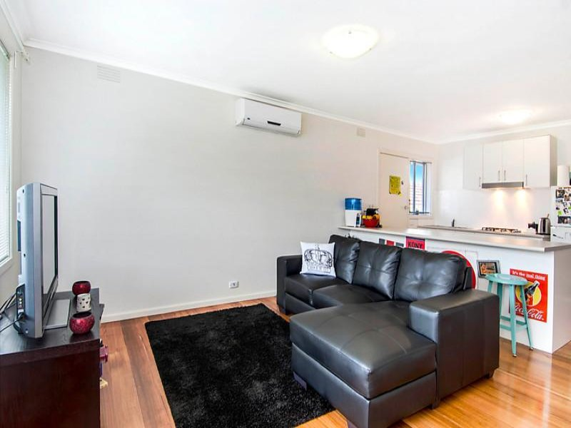 2/25 Hampton Road, Essendon West, Vic 3040