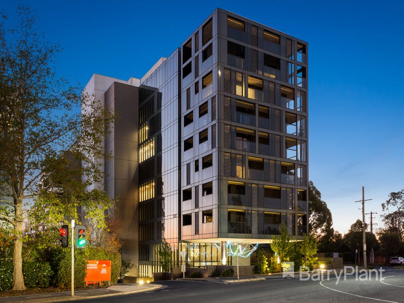 412/5 Sovereign Point Court, Doncaster, Vic 3108