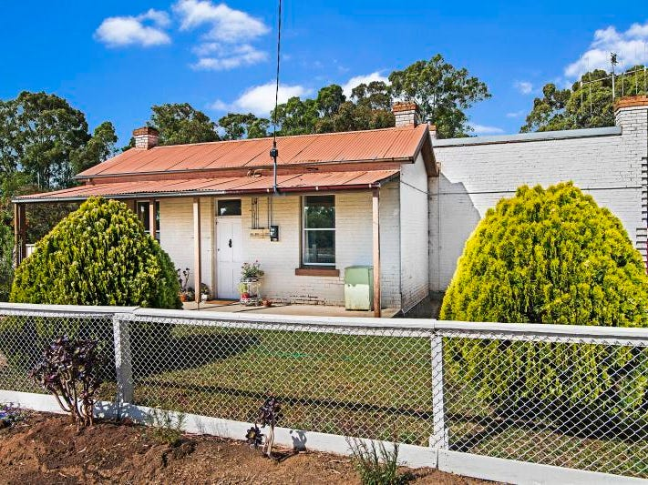 33 Bellevue Road, Golden Square, Vic 3555