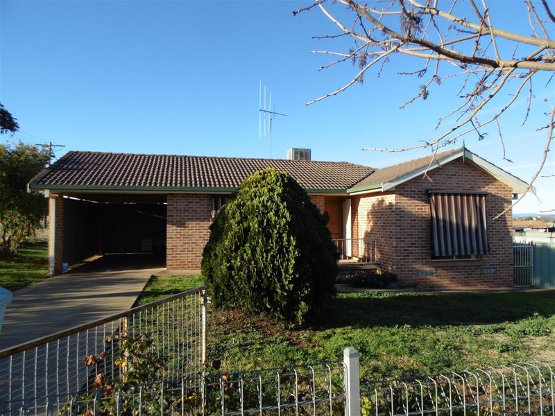 2 Warragrah Place, Parkes