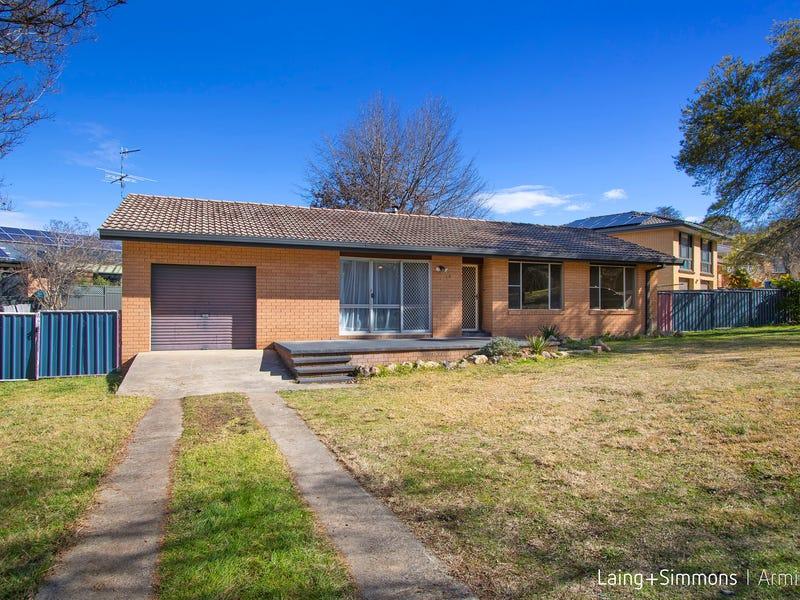 18 Freeman Crescent, Armidale, NSW 2350