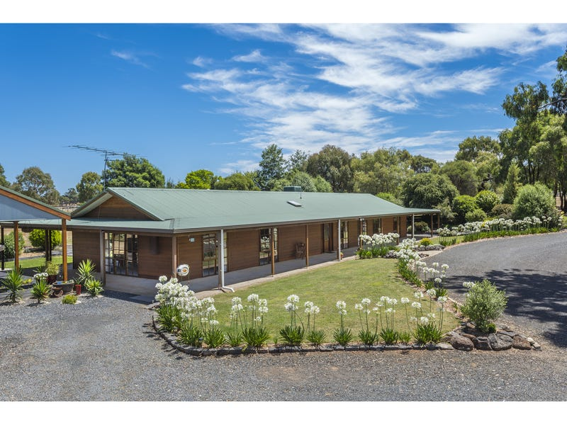 83 Woodvale Crescent, Lancefield, Vic 3435