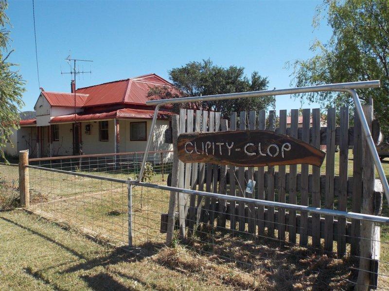 """109 Pye Street """"Clipity Clop"""", Eugowra, NSW 2806"""