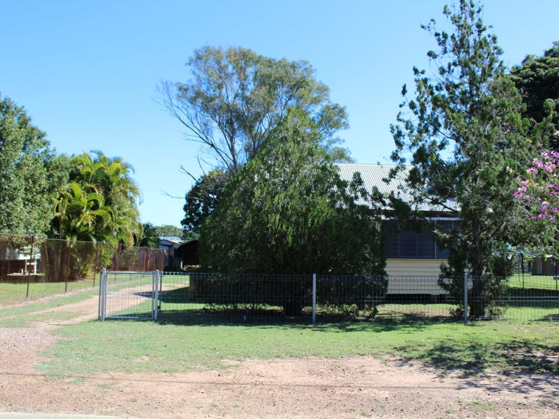 18 Standish Street, St Lawrence, Qld 4707