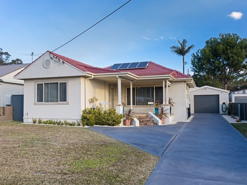 18 Melton Place, Croudace Bay, NSW 2280