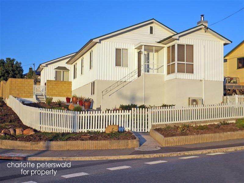 27 Riawena Road, Montagu Bay, Tas 7018