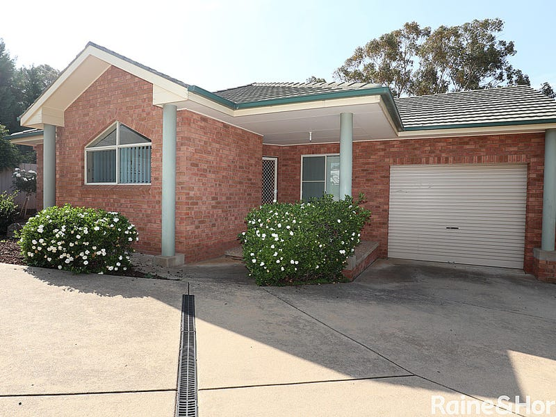 1/8 Keane Place, Kooringal, NSW 2650