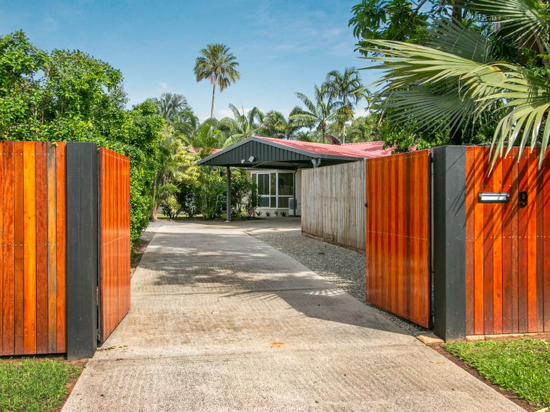 9 Granadilla, Holloways Beach, Qld 4878