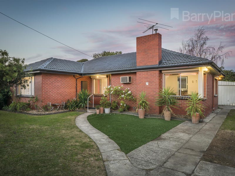 7 Bell View Court, Springvale South, Vic 3172