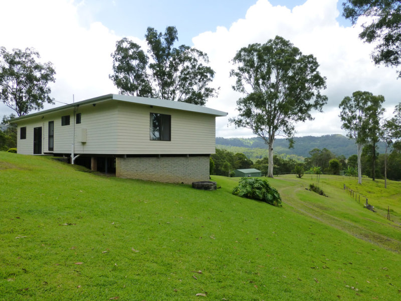 357 Hunchy Road, Hunchy, Qld 4555