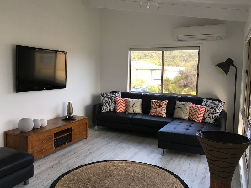 1 Cedar Pde, Maloneys Beach, NSW 2536
