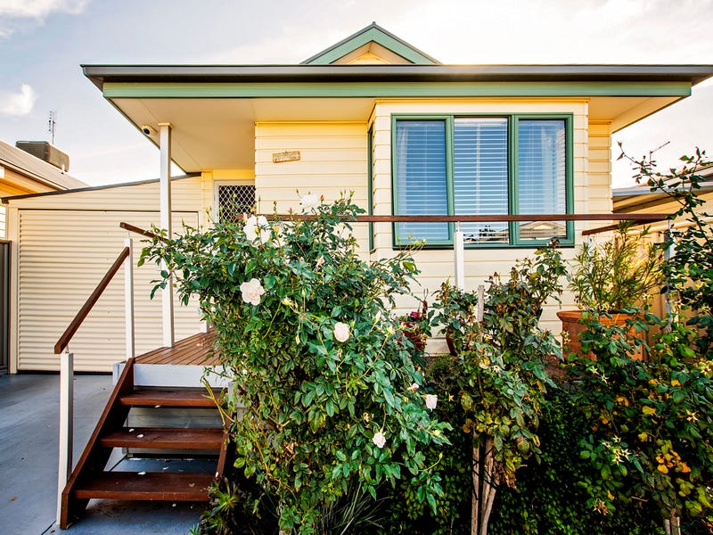 Unit 11, 65-73 Northern Highway (Sun River Home Park), Echuca, Vic 3564